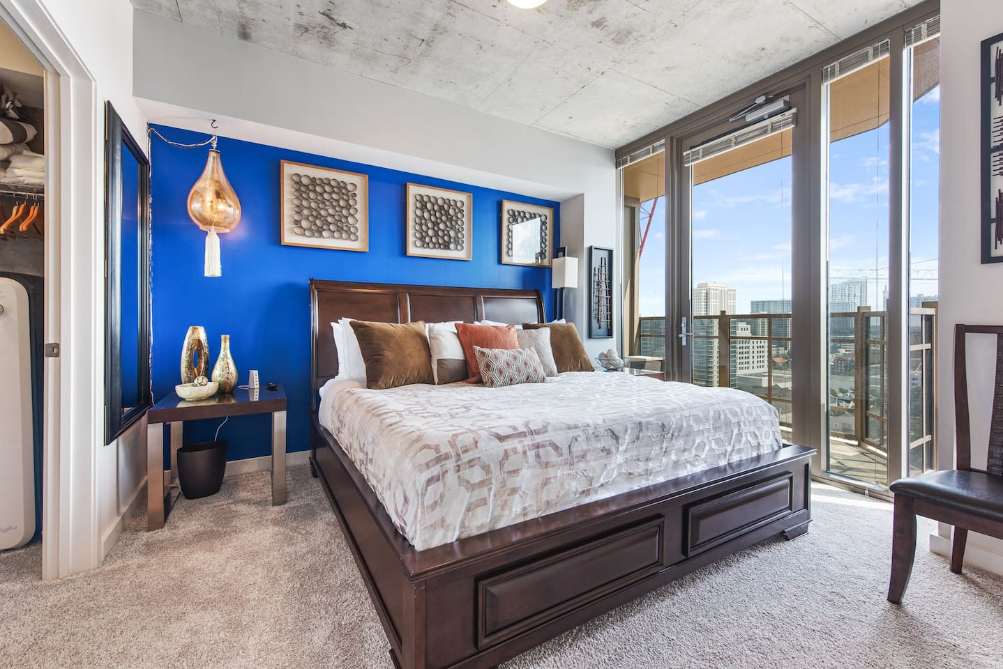 Master Bedroom (King Bed) with Skyline view!