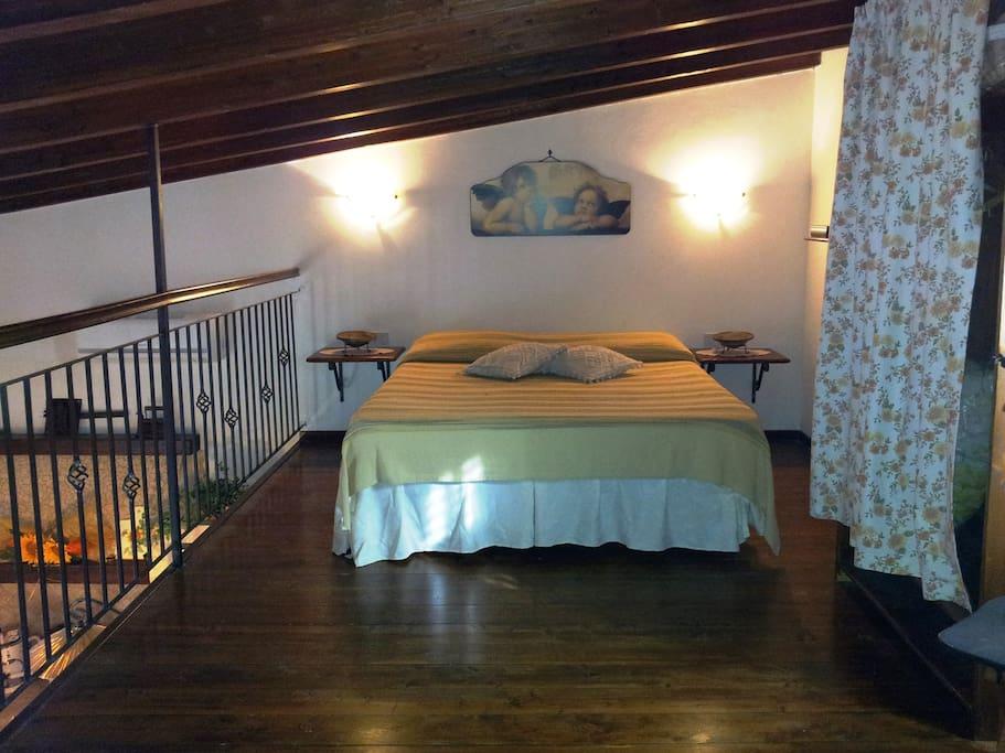 Camera da letto in soppalco Vista A