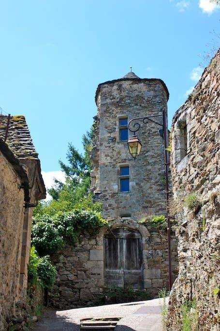 13th century house