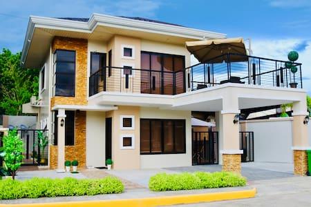4 bedroom family home, on beautiful Panglao Island