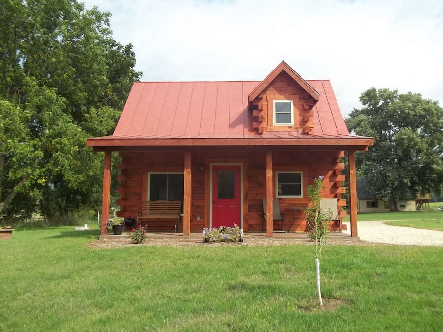 Log cabin at quiet valley cabins cottages for rent in for Cabin rentals wi
