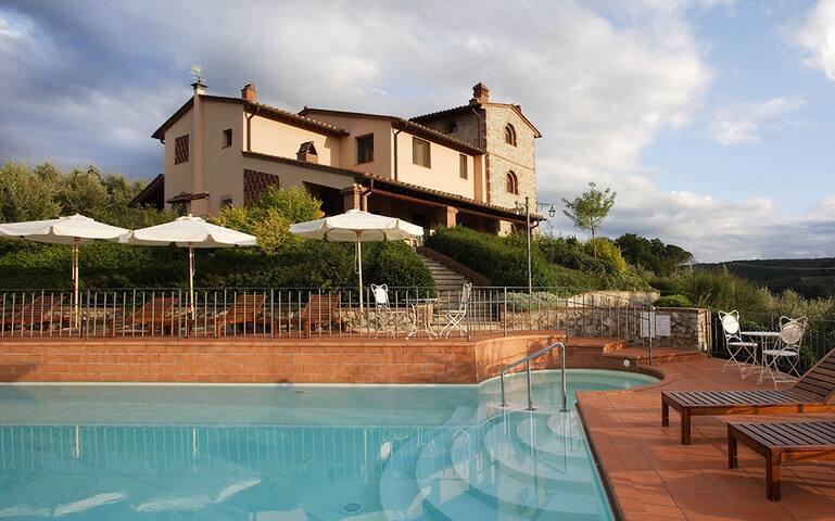 Villa Oliveta - Montaione (Province of Florence)