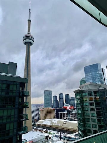 1Br 1Bh condo| Full CN tower & Partial Water view