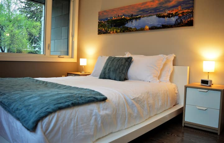 Simply Luxury Stays - 5 to 10 min to Downtown