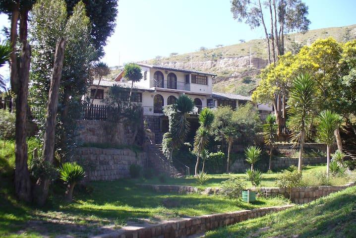 Villas Mitad del Mundo Finca Analía