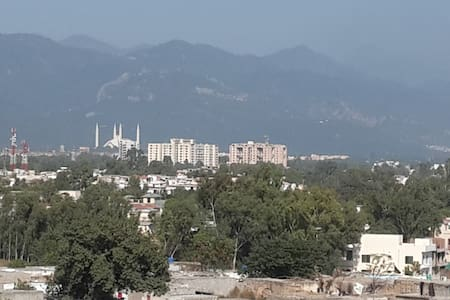 Penthouse 2 bed ensuite 602 Exec. S - Islamabad