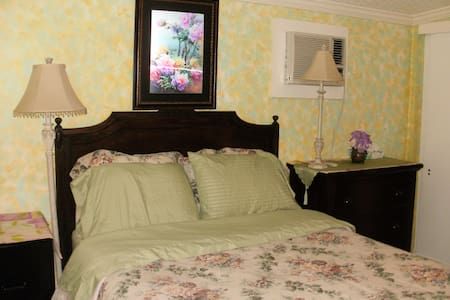 Private room with private entrance - Lemoore - Casa
