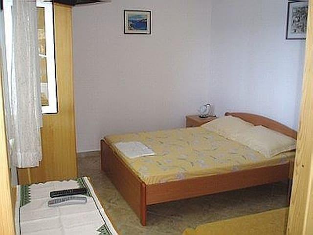 Studio ap. C bedroom