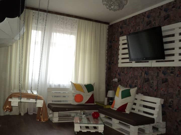 Однокомнатная с мебелью из поддонов