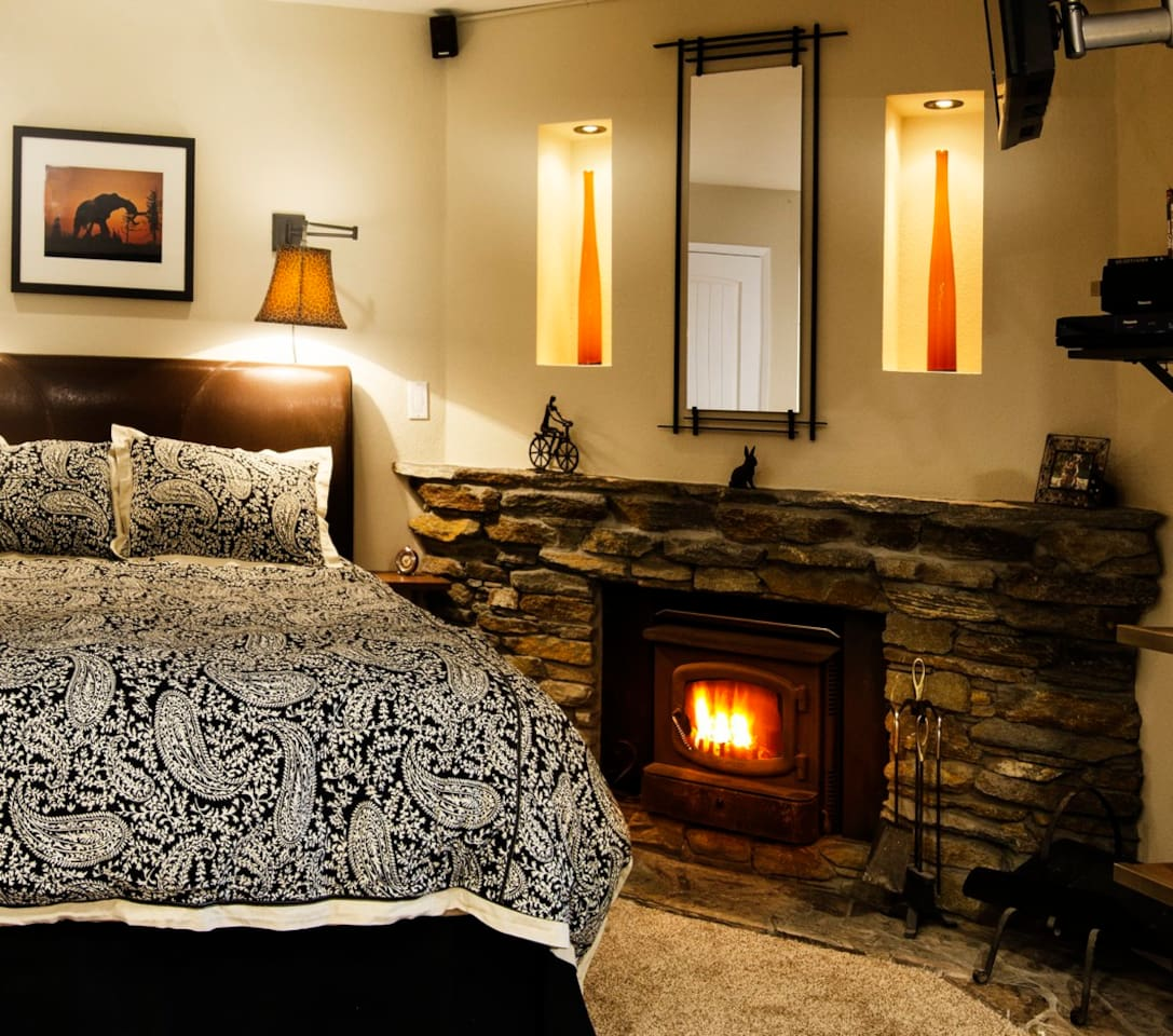 Clean cozy condo, with a wood burning fireplace,  for an ambient setting, here in the mountains.