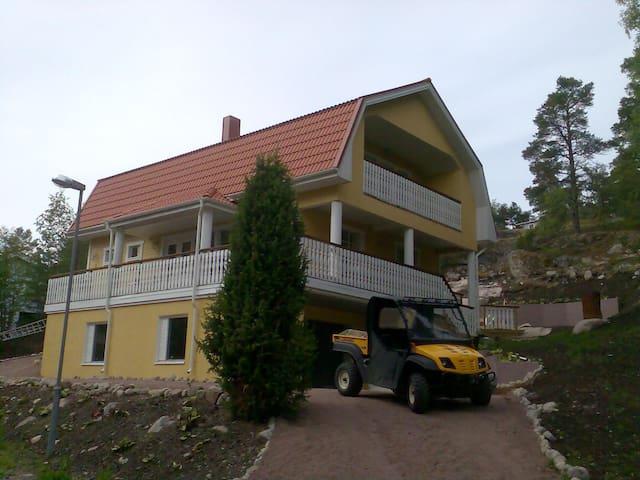 Iso talo meren ja kylän lähellän - Nagu - Rumah
