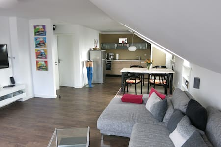 Loft Apartment next to Ascher creek - Gröbenzell - Leilighet