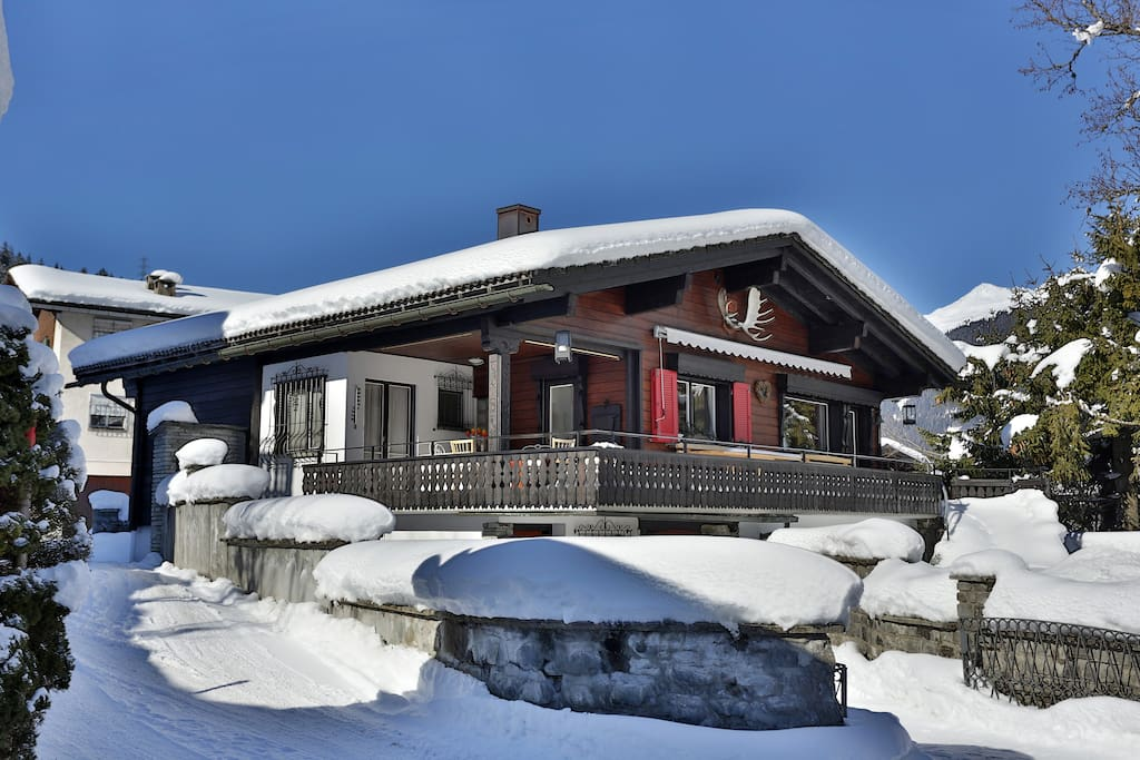 The Chalet Luctor et Emergo