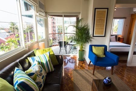 Great views Cozy Airy Zen Wifi Beautiful safe Home - Makati - Lakás
