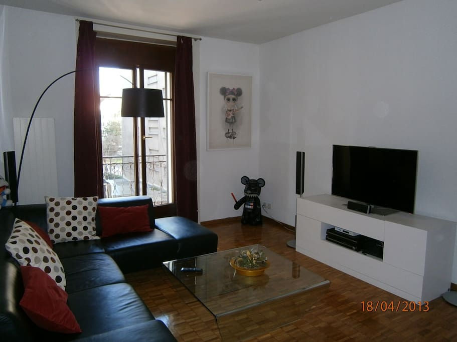 Living room (day pic)