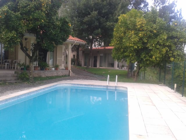 Villa with Swimming Pool - Vila Verde - Haus