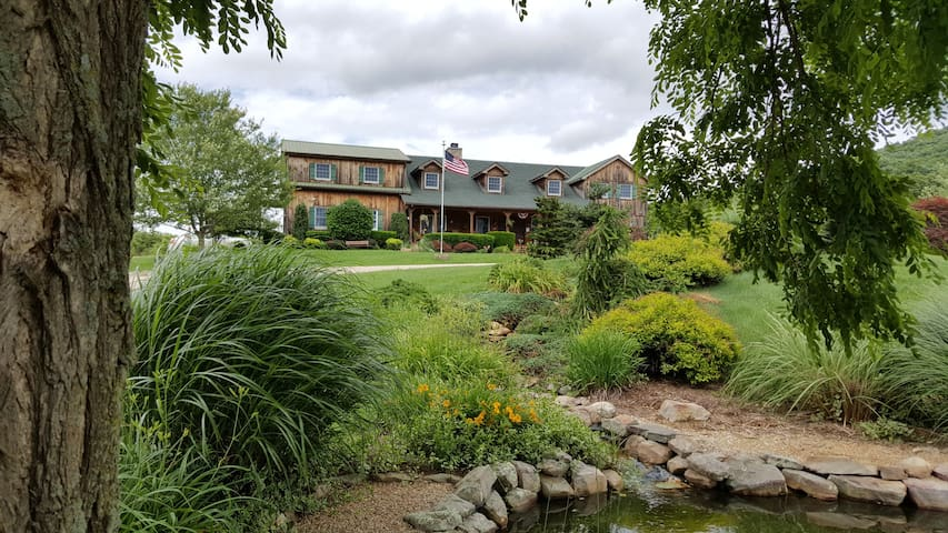 Fox Hill Bed & Breakfast Suites (Merrifield Suite) - Fairfield - Pousada