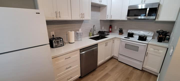 New 1bed 1 bath upstairs apartment/silicon valley