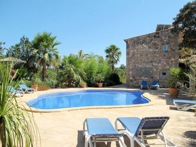 Stone country house with pool and wonderful views over the private orange grove