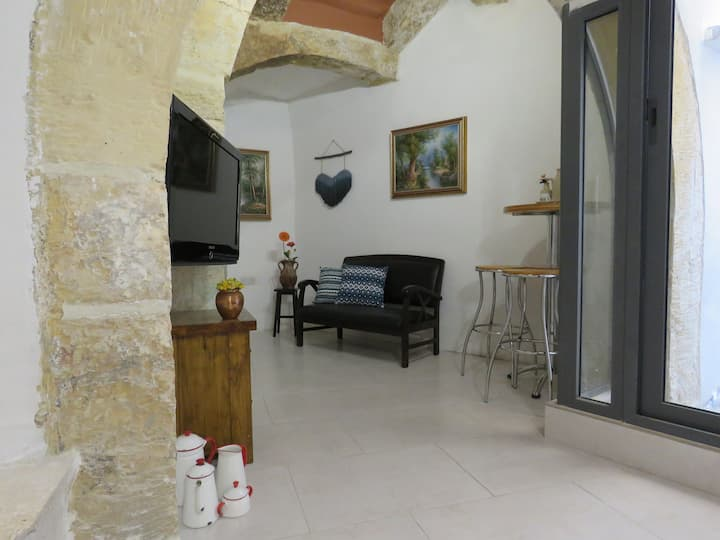Amelia - Renovated House of Character in Cospicua