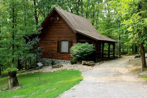 A Romantic Log Cabin in Hocking Hills in Logan, OH