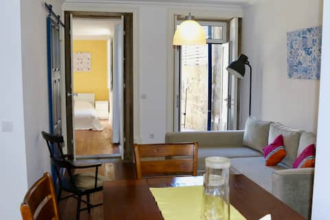 Cosy apt with courtyard in central Porto!