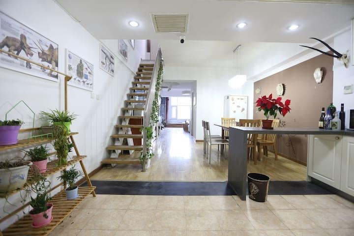 探索者之家:私人博物馆百子湾210平3层联排别墅 - ปักกิ่ง - วิลล่า