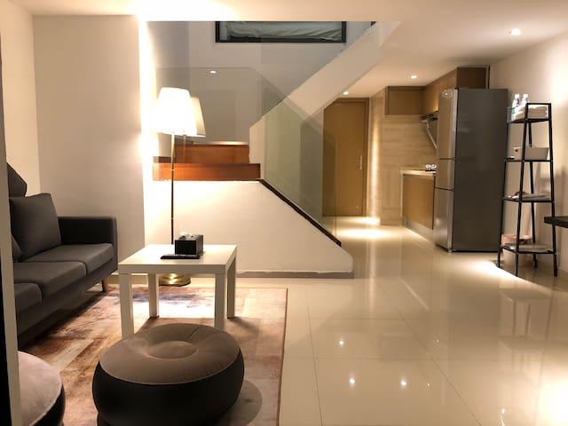 高层城景loft复式公寓 2号线江泰路地铁商圈中心北京路广州南站上下九太古仓附近 专车接送