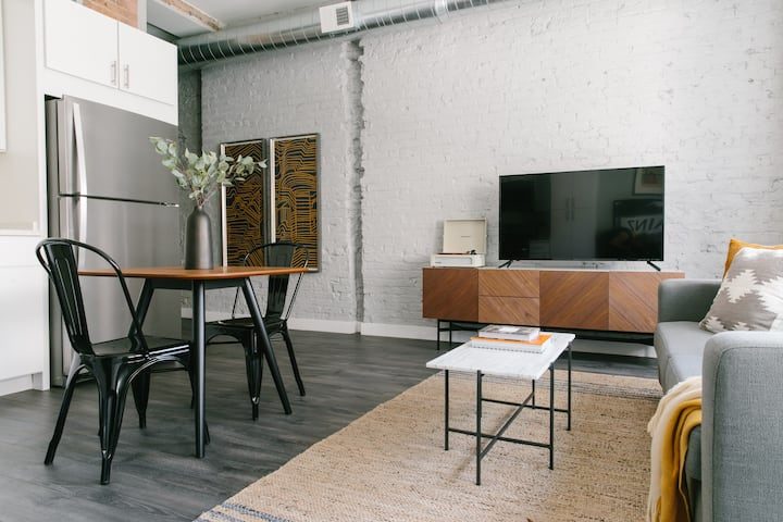 Sonder | Library Lofts | Calming 1BR + Gym