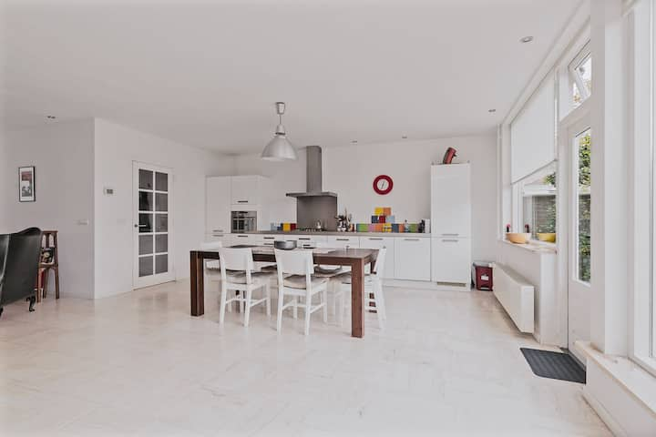Spacious 3 bedroom city center house Eindhoven