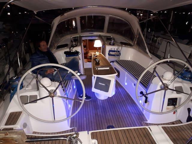 Nuit à bord d un beau voilier
