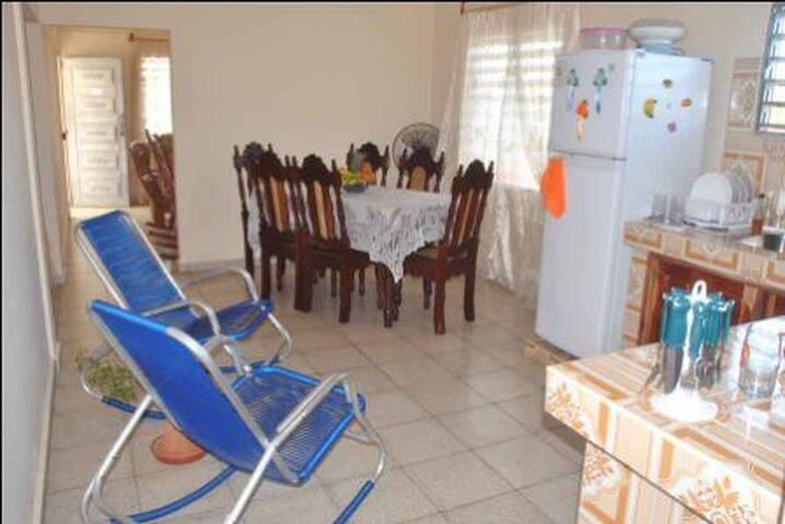 Habitación-1 Hostal Marisel - Playa Giron - Talo