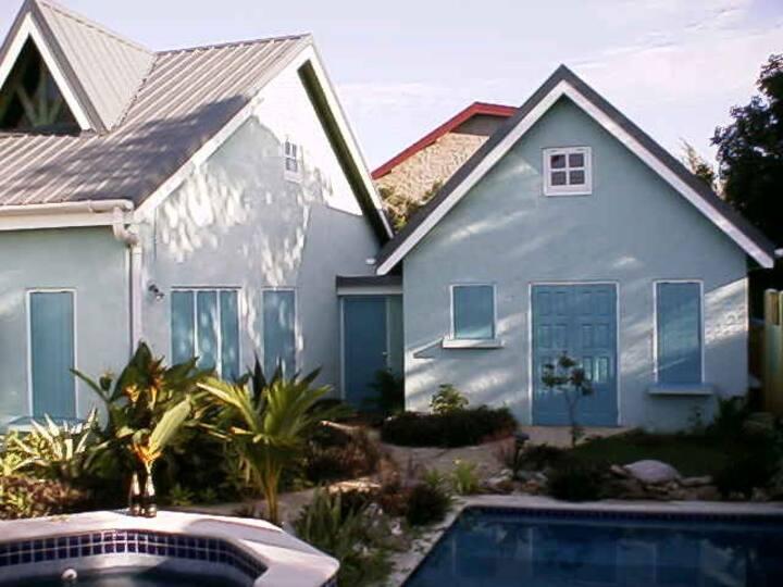 Windsock View, Cozee Apartment,  Beautiful Villa
