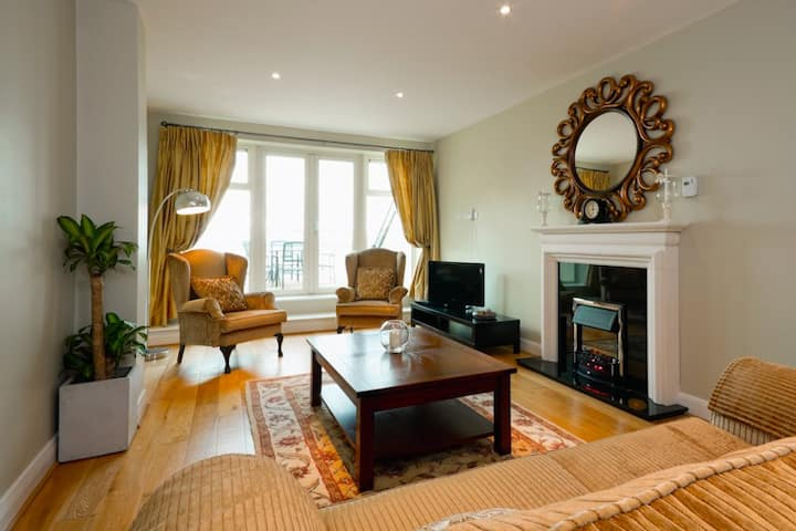 The Best in the West. Seaview Penthouse- Galway's luxurious alternative to a hotel