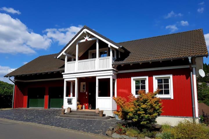 Eifel: Wohnen im Schwedenhaus/Wandern/Nürburgring