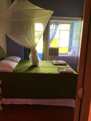 cama Queen habitación 2