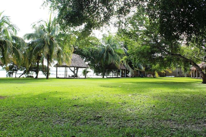 Casa Familiar Tour incluido 100m de Laguna  Wifi