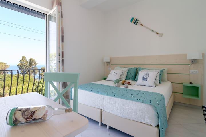 Aquamarine Relaxing Capri Suites - JSuite Smeralda