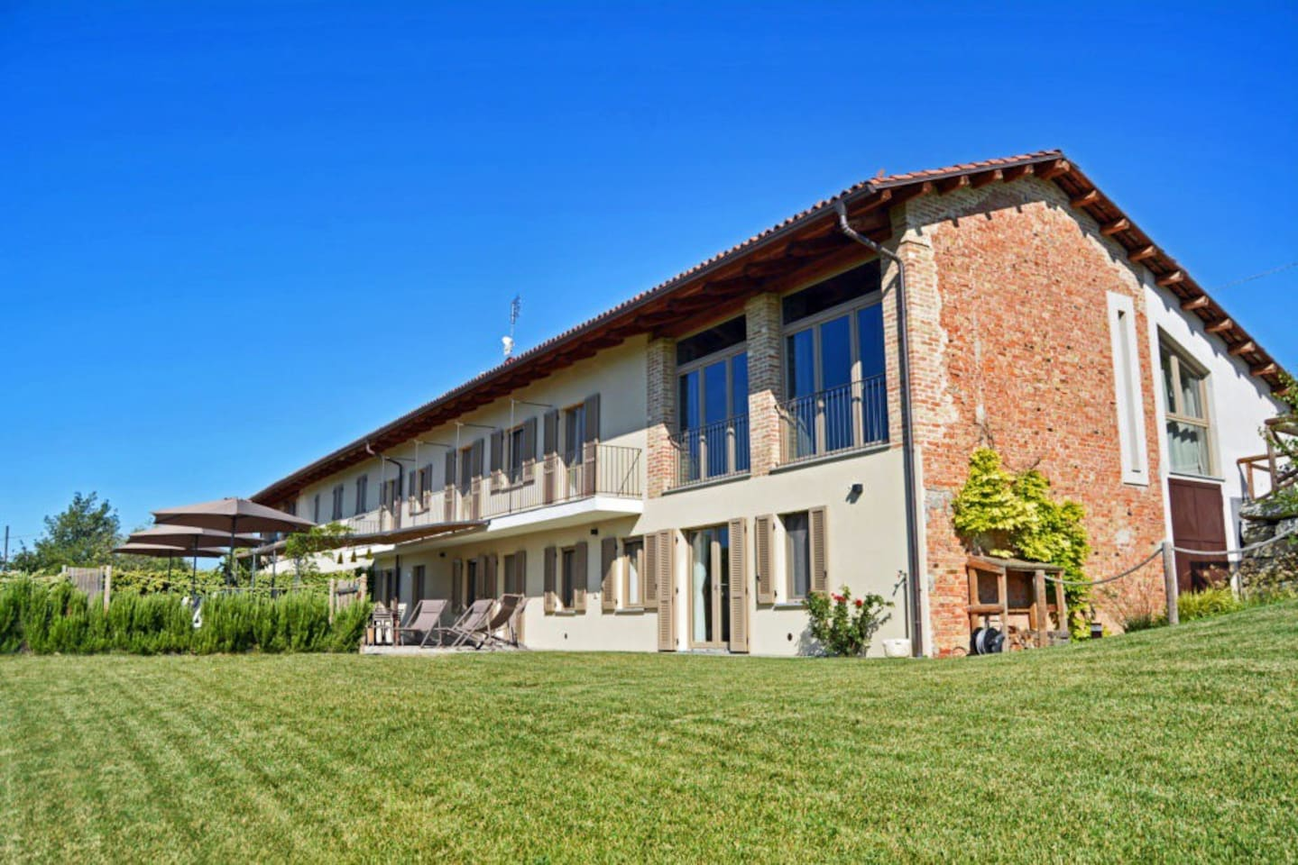 """Villa Ribota is a beautiful place to enjoy stunning scenery, great food and wine."""