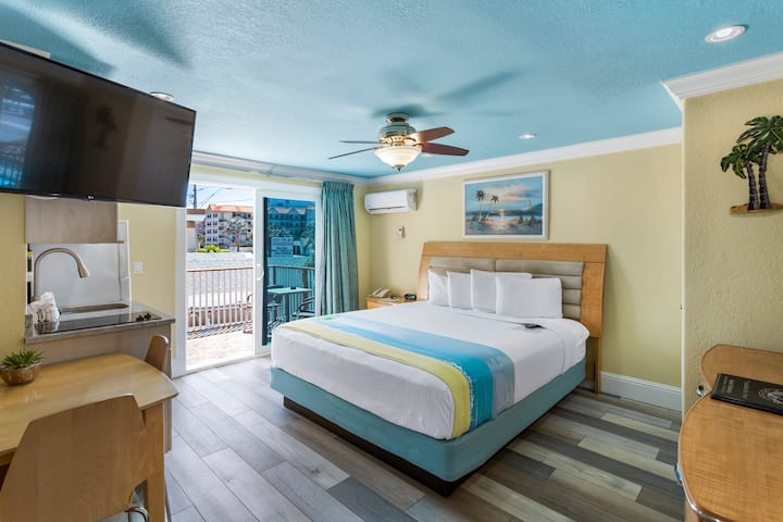 Bay Front with Balcony Suite: 1 Queen Bed and 1 Sleeper Sofa