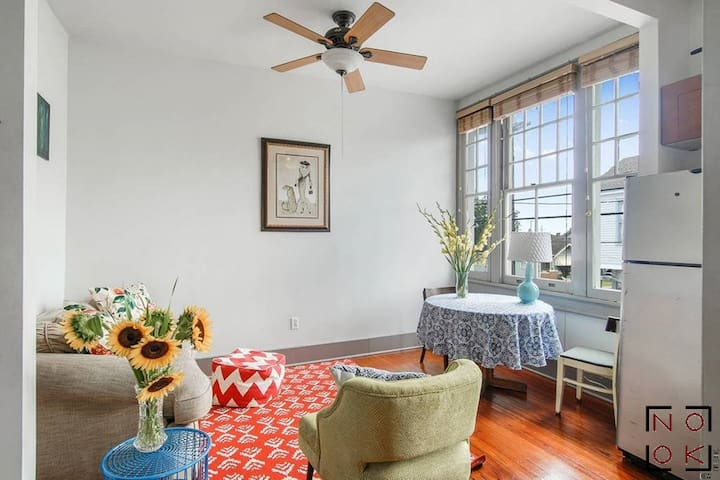 Smart 2BR overlooking Freret w/parking - FOODIE HQ
