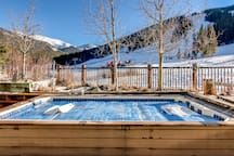 Fox Pine Hot Tub with View of the Slopes: Managed by the HOA