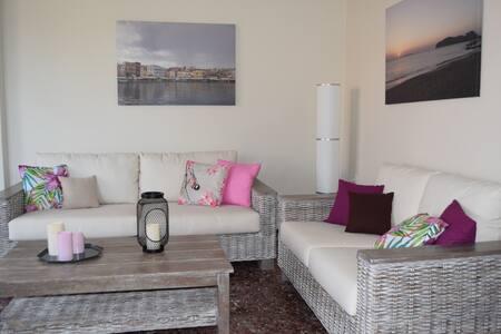 Modern apartment with garden in Kissamos
