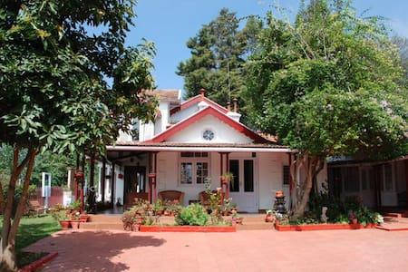 Stunning 3 B/R Colonial Home, Coonoor, Nilgiris - Coonoor