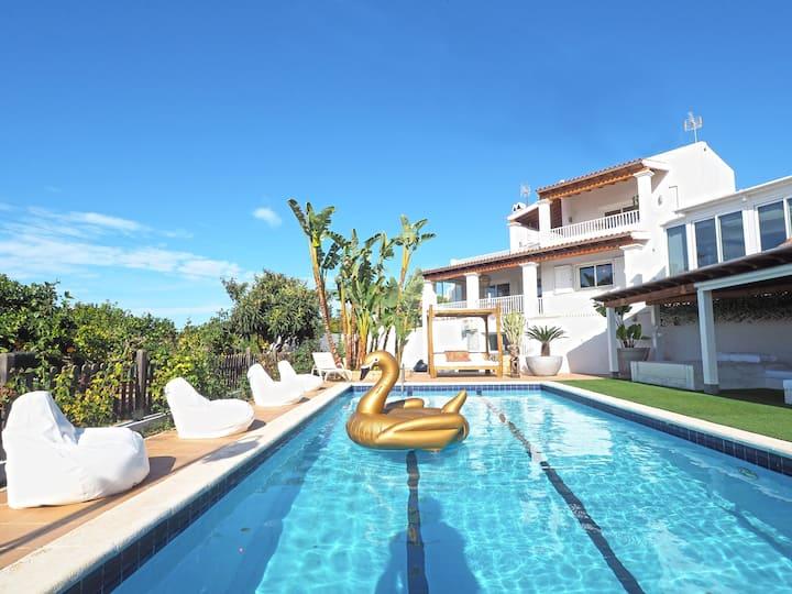 Luxury villa Can Musenya • 14-22 pax • in Jesús