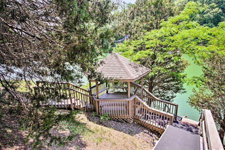 Sevierville Family Cabin on Lake w/Hot Tub & Games