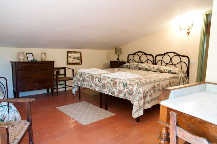 Il Vigneto - Country Farm - Spoleto - Spoleto - Bed & Breakfast