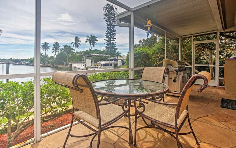 Waterfront 3BR Marco Island House w/Pool - Marco Island - Villa