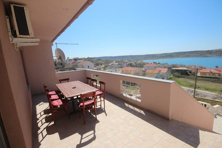 Njaco-3bedroom apartment with sea view(A6)