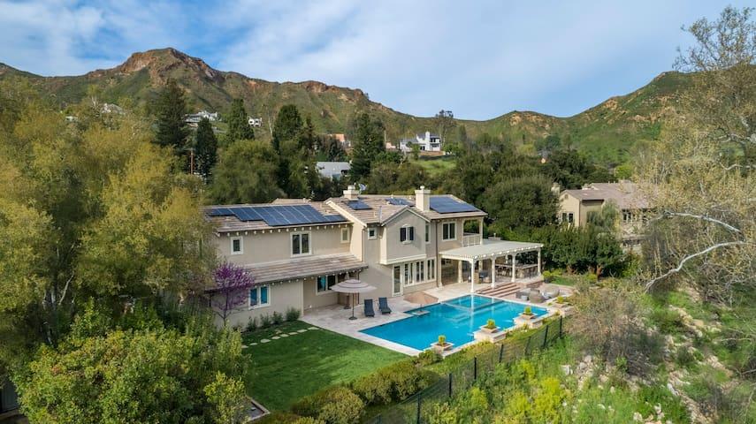Santa Monica  Mountains Countryside Mansion